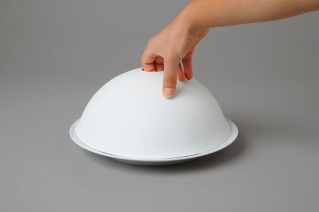 Cloche biscuit de porcelaine